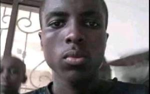 Il se décompose et meurt mystérieusement à Douala après avoir aidé une dame
