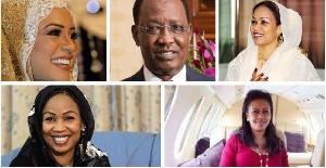 Idriss Deby au milieux des épouses