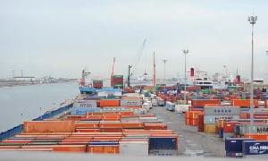 Le Terminal à Conteneurs du port de Douala se noie