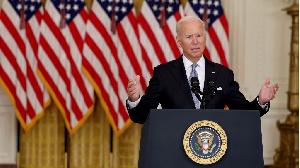 Biden défend le retrait 'désordonné' des États-Unis