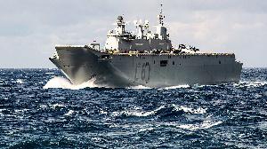Il va procéder à des exercices militaires en mer.