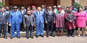 Photo de familles de la délégation