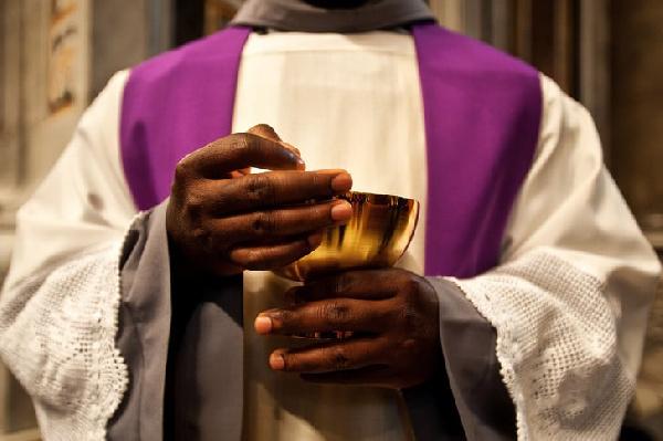 Cameroun : l'église catholique débordée par les conflits entre curés et vicaires