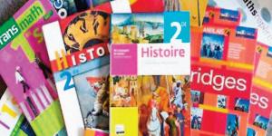 Des livres utilisés dans l'enseignement au Cameroun