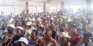 Les militants assimilent ce retard à une tentative de détournement de l'issue des élections