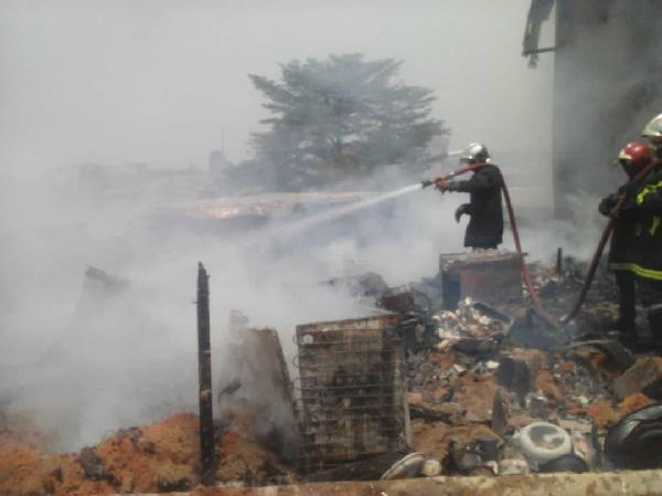 Drame: trois maisons complètement ravagées par les flammes à Bonabassem