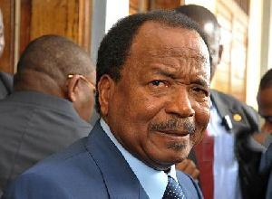 Paul Biya profite de l