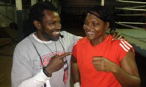 La boxeuse Yannick Azangué (à droite)