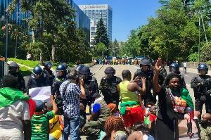 > Un affrontement entre les manifestants et la police est à envisagé