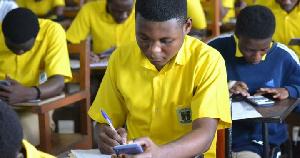 Ghana Learning TV permet aux lycéens de continuer d'étudier en plein confinement