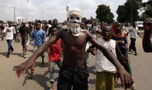 Les jeunes dans un quartier de Douala