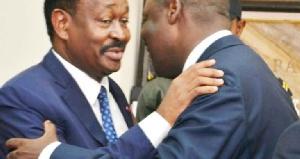 Ibrahim Talba Malla lors de la passation de pouvoir à Jean-Paul Simo Njonou