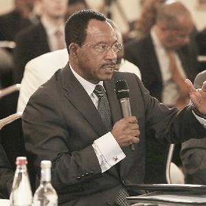Nganou Djoumessi, ministre des transports