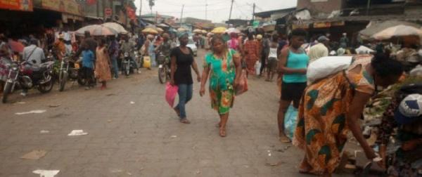 Les populations bafouent les mesures barrières