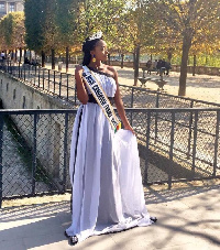 Miss Cameroun France- Linda Betehe