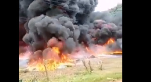 Une explosion spectaculaire ravage la SONARA ce jeudi (vidéo)