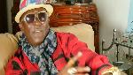 People:  Papillion accusé d'avoir soutiré 50 mille de l'argent de Longué Longué
