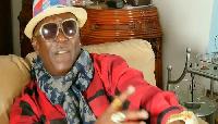 Il a été sommé par la famille de feu Manu Dibango de retirer son projet de collecte de fonds