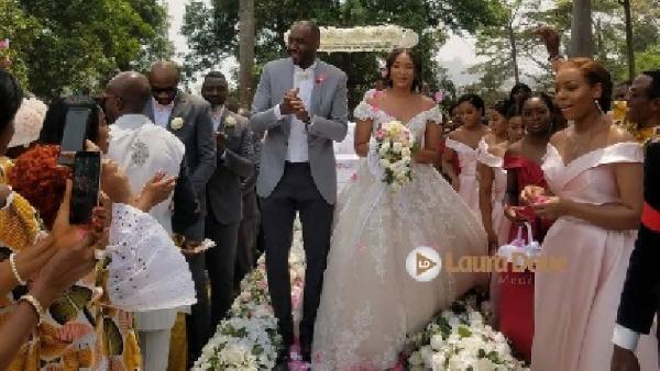 Luc Mbah A Moute et Aurélie : le mariage qui fait le buzz à Yaoundé
