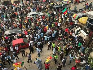 Maurice Kamto est arrivé au Cameroun ce 25 février après un long périple en Europe, aux USA ...