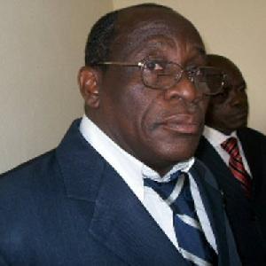 Pr Paul Henri Amvam Zollo, ex Doyen  de la faculté des sciences de l'université de Douala.