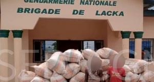 Des sacs de chanvre et les présumés dealers arrêtés
