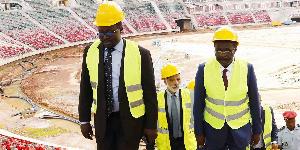 Le ministre en charge des Sport lors d'une visite de chantier