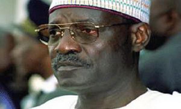 Tokombéré : le préfet du Mayo Sava influencé par Cavaye Yeguie Djibril