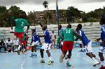 Des joueurs de Handball en compétition