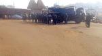 La police a pris position dans le village