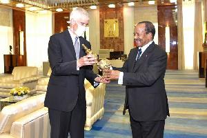 Peter H. Barlerin est enfin de misssion au Cameroun