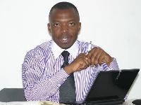 'Le gars qui gère le compte Twitter et Facebook de Biya ne travaille certainement pas le week-end'