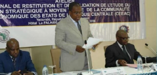 Louis Paul Motaze préside la cérémonie de lancement de la campagne