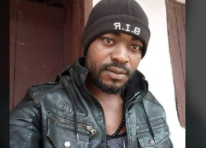 A la fin du WhatsApp voice mail, Ayeke dit au sous-préfet de lui envoyer du crédit téléphonique