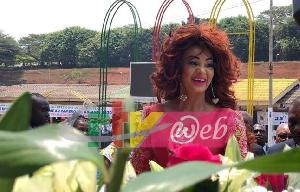 Chantal Biya était arrivée ce dimanche là avec une cinquantaine de minutes de retard à la cérémonie