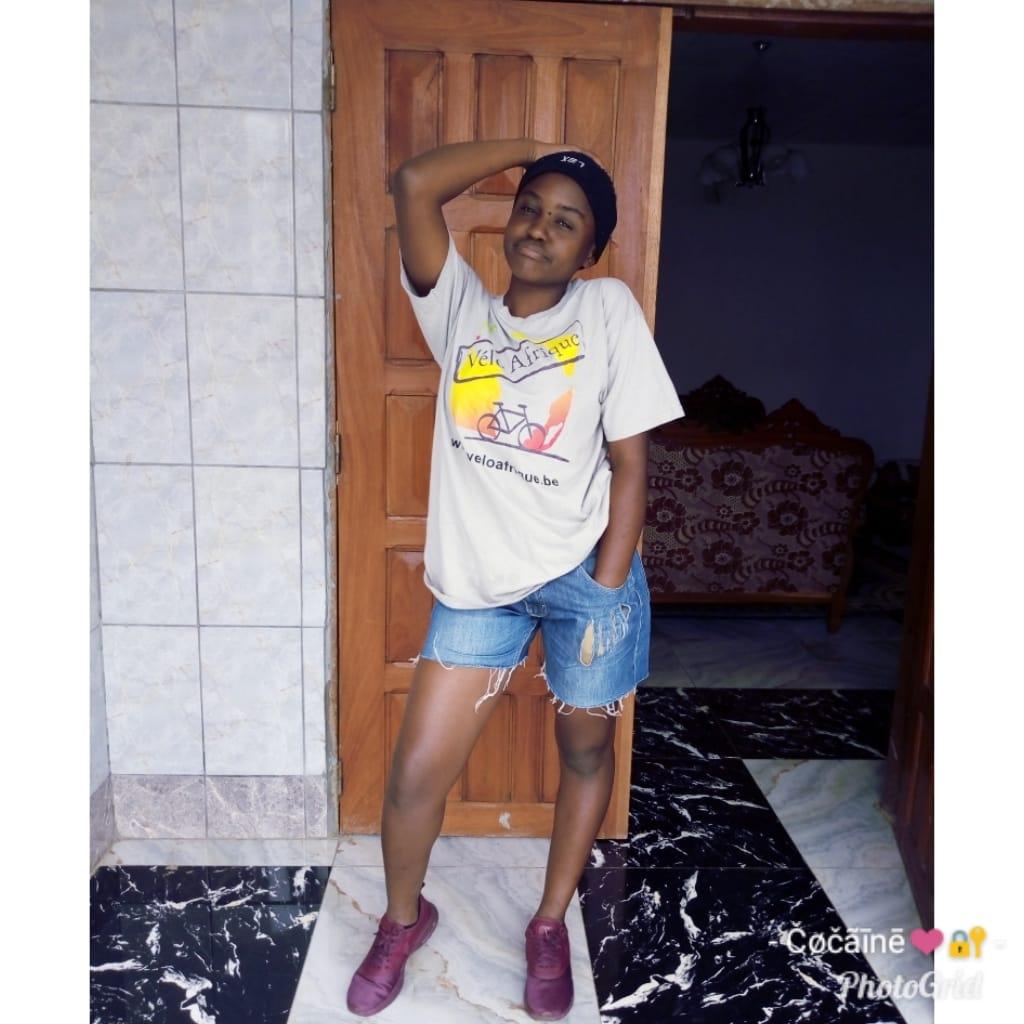 12 photos glamours  de Erica Nfiya Mouliom décédée dans l'accident de Ténor