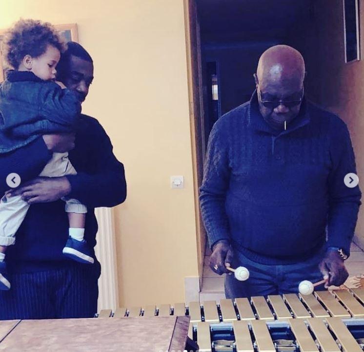 Découvrez la maginifique famille laissée par Manu Dibango !