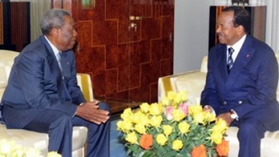 Le président du Sénat Marcel Niat Njifenji et Paul Biya