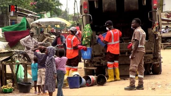 Une opération de collecte des ordures au Cameroun
