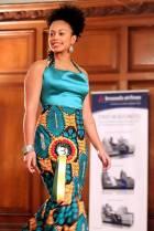 Découvrez des styles vestimentaires tendance à base de tissu pagne